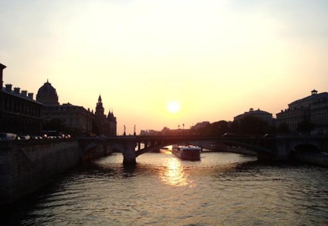 Bridge in Paris - Sofija Semenpeeva