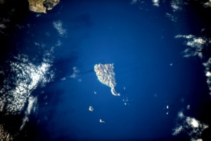 Which is the Greek island without snakes?
