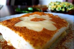 Tavuk gogsu – dessert pudding with chicken