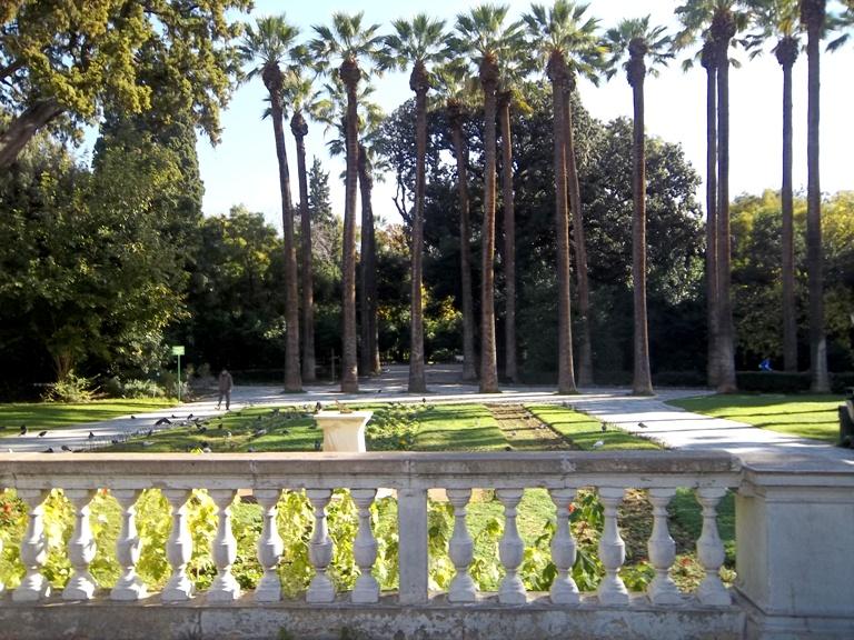 gardens athens11 balkon3