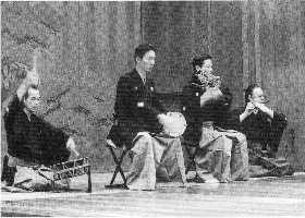 Noh_ theater_ Japan1_balkon3