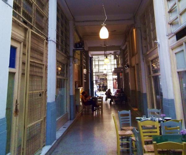 passage181_balkon3_athens