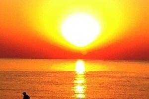 ΚΑΙ Ο ΗΛΙΟΣ ΑΚΟΜΗ ΖΕΣΤΑΙΝΕΙ…  ΤΟ ΑΙΓΑΙΟ ΚΑΙ Η ΜΕΣΟΓΕΙΟΣ ΑΚΟΜΗ ΠΡΟΣΕΛΚΥΟΥΝ