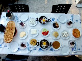 van-kahvaltı-sofrası-4