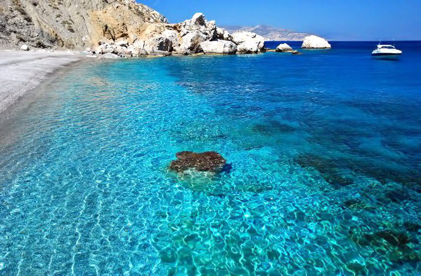 greece-folegandros-katergo-beach