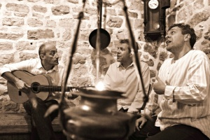 Интервју со браќата Теофиловиќ: Песните му припаѓаат на тој што најубаво ќе ги испее