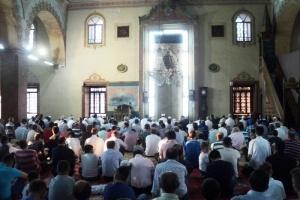 На Рамазан Бајрам во најстарата џамија во Скопје