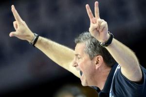 Турски Ефес со грчки тренер атакува на успеси