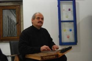 Џенгиз Ибрахим – виртуоз на саз и канон