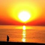 Сонцето сè уште силно свети…Егејот и медитеранот се сè уште примамливи