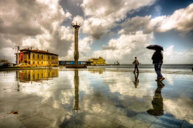 Плоштад во Измир