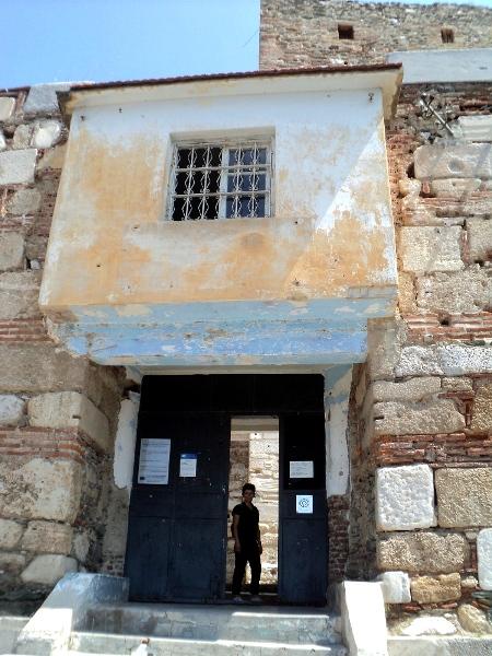 влезот на затворот