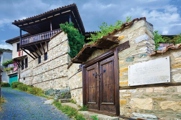 Куќа од комплексот Варналиите