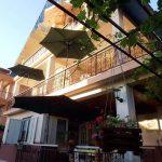 Се продава куќа во Пештани со три големи апартмани за издавање