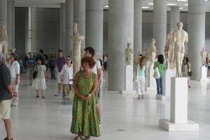ATİNA'DA BAĞIMSIZLIK GÜNÜ  DOLAYISIYLA YUNANİSTAN  TARİHİ, MÜZİĞİ  VE YEMEKLERİ TANITILDI