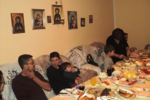 KOSOVA'DA SIRP KUTLAMASI