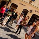 PRAG'DA EVSİZ İNSANLAR  EN İYİ TURİST REHBERLERİ